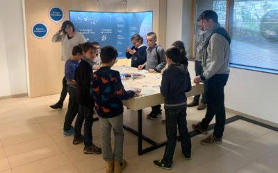 Les CM2 de Riec-sur-Belon visitent l'exposition du SDEF