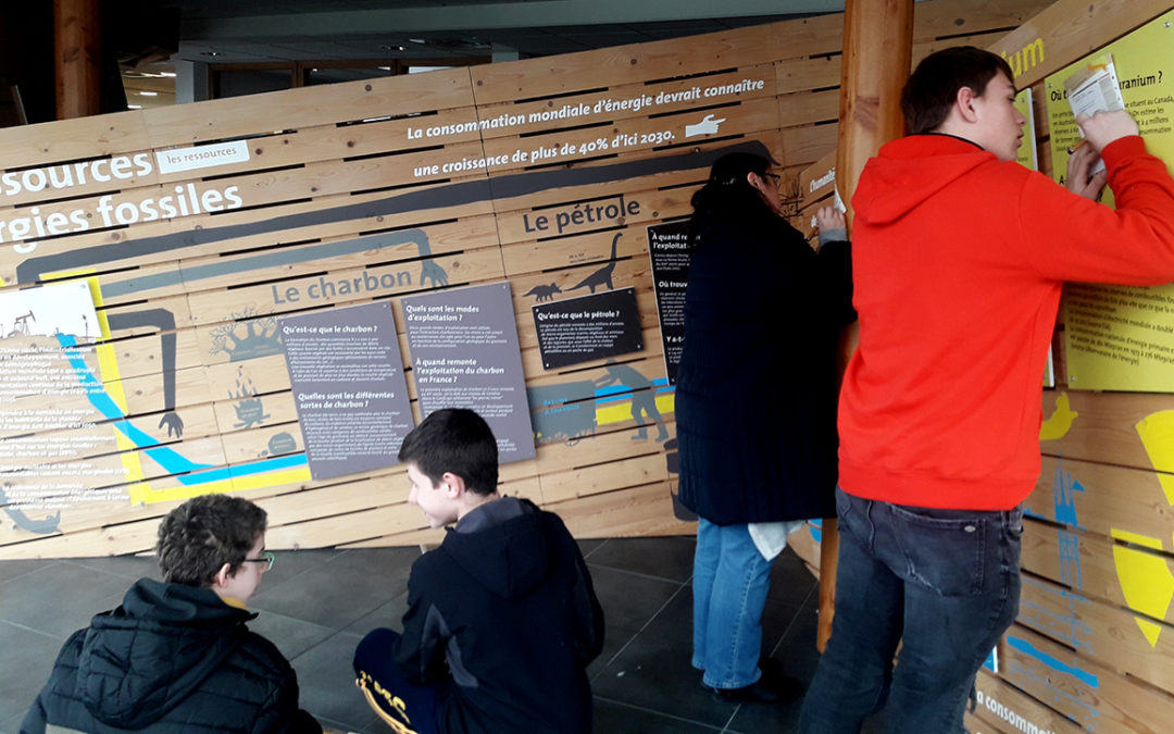 La classe de 3ème du centre d'alternance de Ploudaniel visite l'exposition de Landivisiau